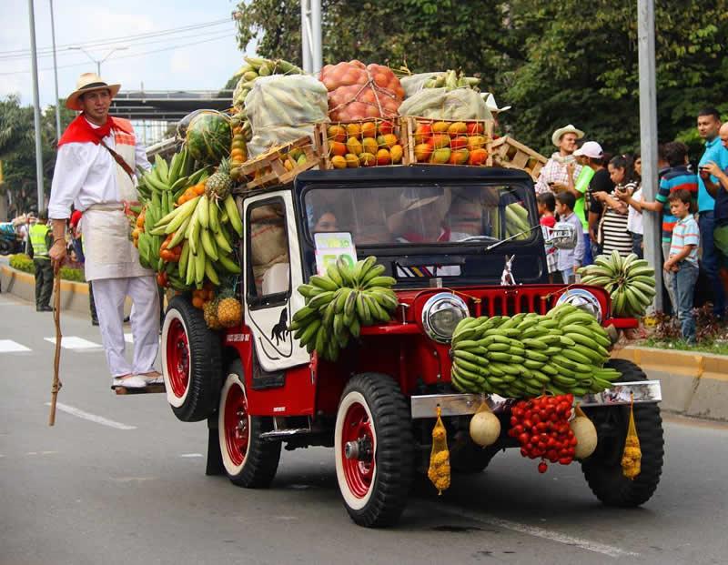 Desfile del Yipao Transporte de Productos Agrícolas