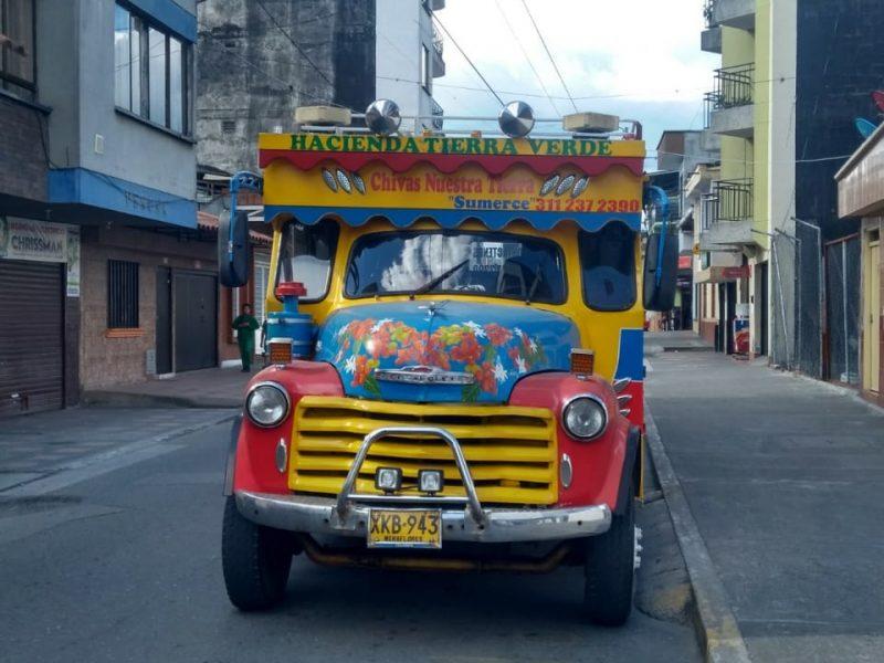 Alquiler de chivas turisticas en el Quindío